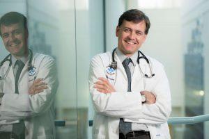 Le Dr Derek Jonker